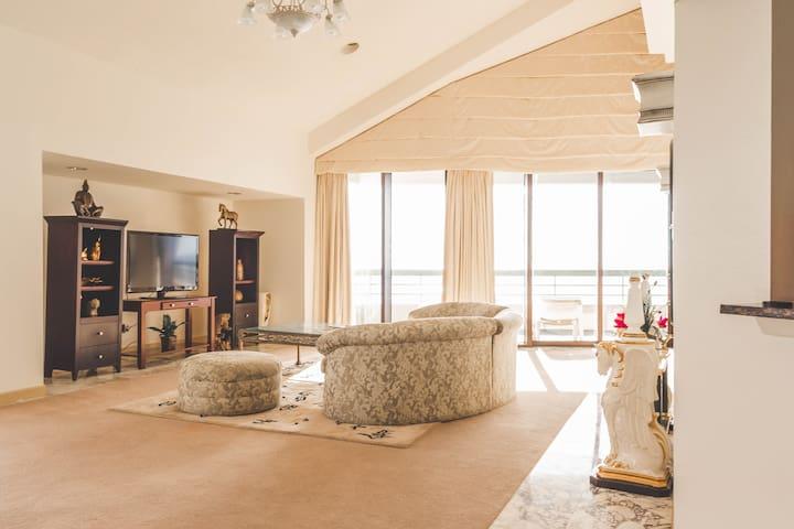 Presidential Penthouse Condominium - Tamuning - Apartament