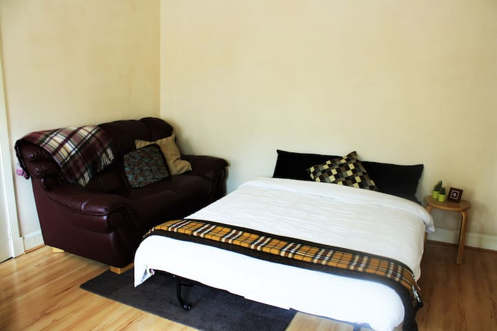 Cozy Living-room in the city centre! - Edinburgh - Wohnung