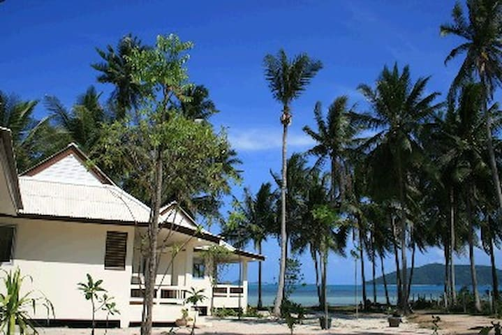 Jinta Beach Bungalow
