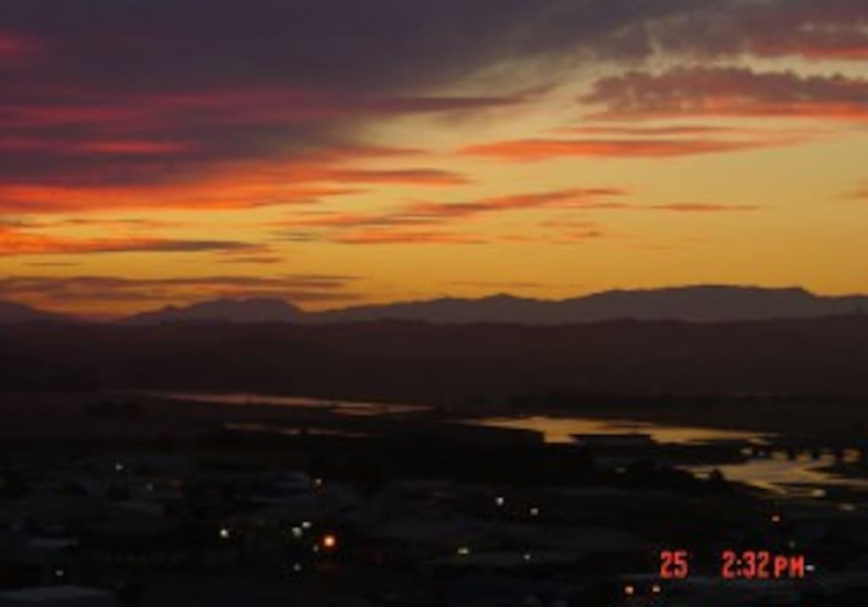 Gorgeous sunsets over the lagoon and western ranges