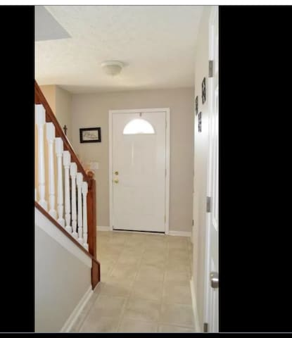 Large room for rent in quiet house