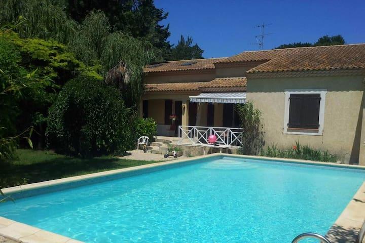 Belle Villa en Camargue à 20min de la mer