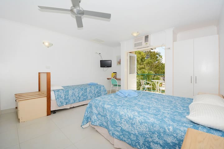 Self-contained CBD Studio Apartment - Darwin - Huoneisto