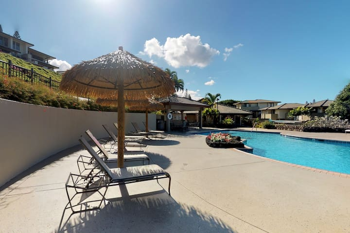 Golf-front condo on championship course w/ lanai & shared pools!