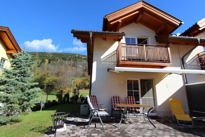 Charming Villa with Private Pool in Kötschach-Mauthen