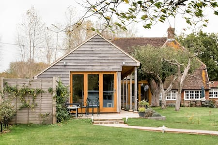 Exclusive Use Contemporary Barn Annex with Stunning Views