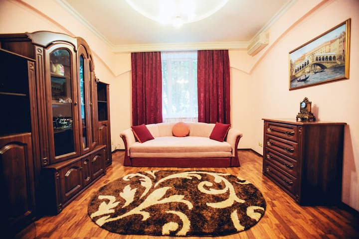 2-Room apartment in classic style