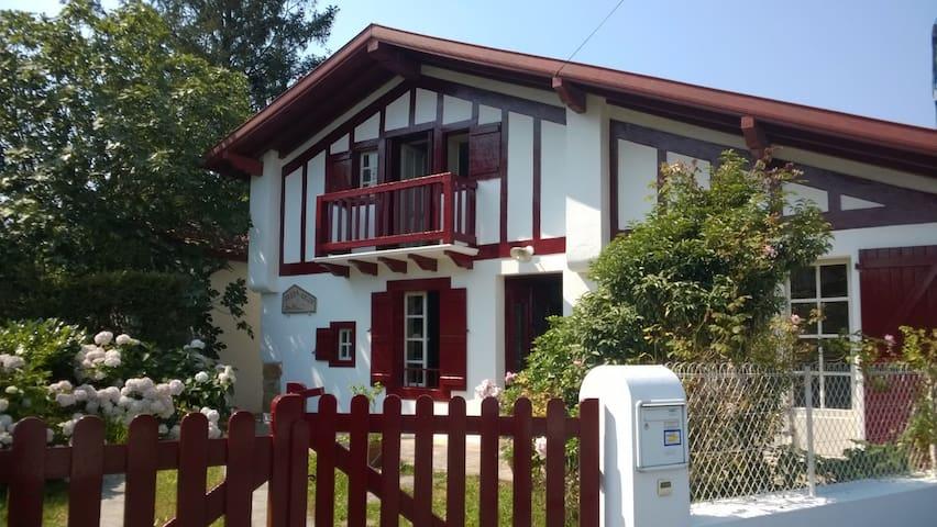 Sasko Baita Ascain Pays Basque - Ascain - Huis