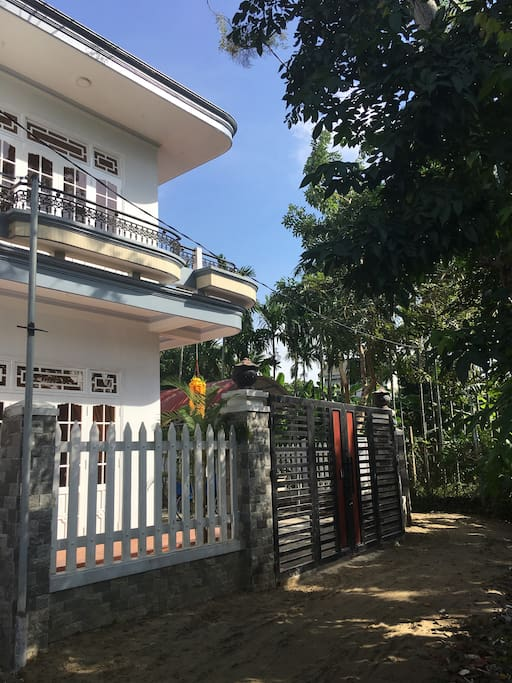 Private house with 3 bedroom, 1 open room, 3 bathroom and full facilities . Have a big garden.