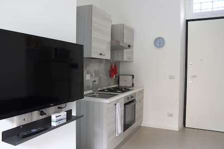 Superb remodel two-room apartment, city center