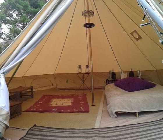 The Valley Furnished Bell Tent - Llanteg - Tent