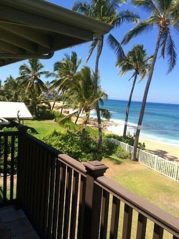 Ocean front Beach House in Makaha! - Waianae - Hus