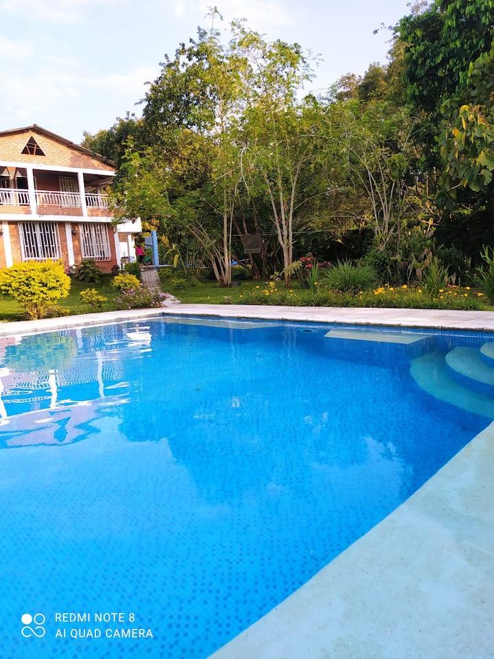 Eje cafetero casa de campo con piscina privada