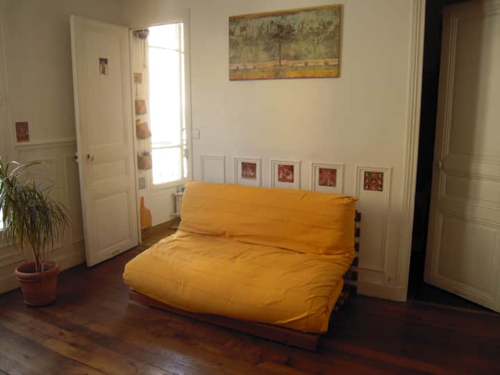 Charmant 2 pièces (32 m2) proche Montmartre.