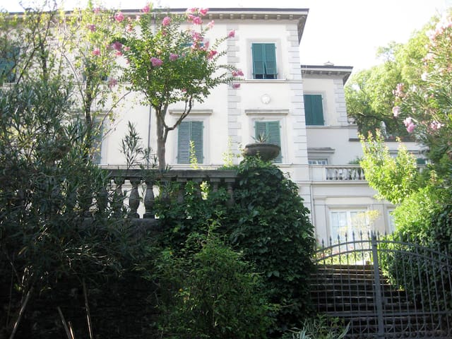 Beautiful 19th century Tuscan villa - Carrara - Flat