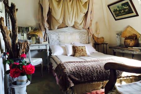 """Chambre de charme """"Nude"""" Deauville - Benerville-sur-Mer"""