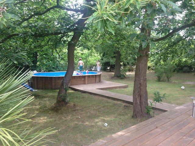Maison spacieuse à l'orée de forêt - Verneuil-sur-Seine - House