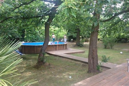 Maison spacieuse à l'orée de forêt - Verneuil-sur-Seine - Talo