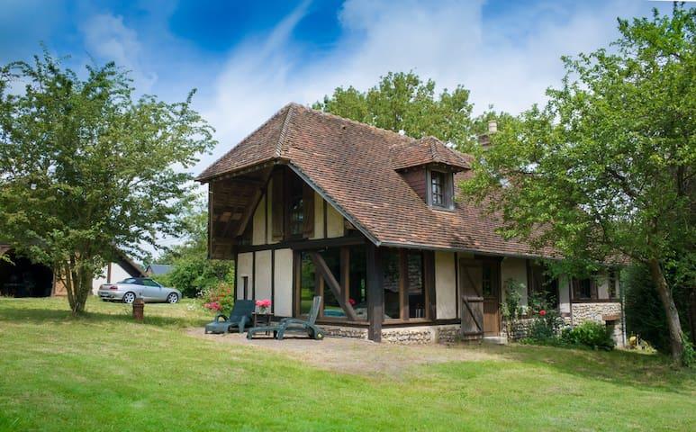 Jolie Maison Normande Pays de Bray - Brémontier-Merval - Huis