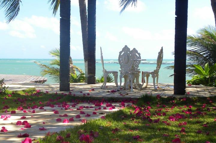 Casa à beira-mar na Praia de Jacumã