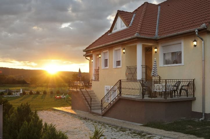 NRS Ferienhaus - Kehidakustány - Vacation home