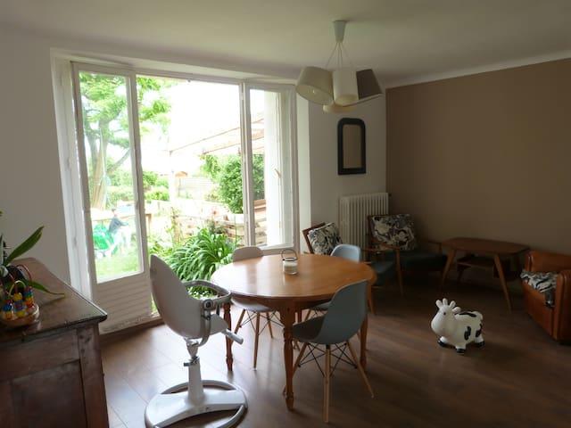 maison vue mer, jardin au calme plages accessibles - Brest - Casa