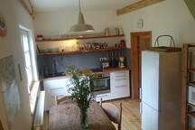 Blick in die kleine gemütliche Wohnküche