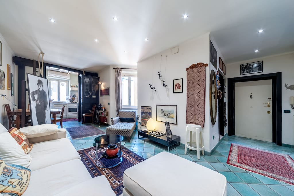 panoramic of living room with details of art