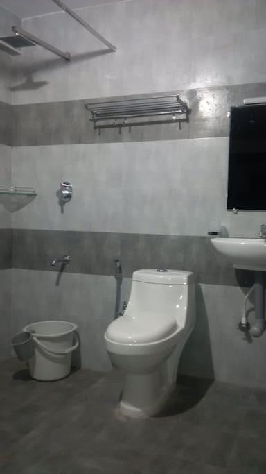 Bit - Washroom