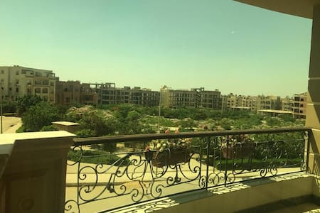 Apartment at new Cairo near from AUC and point 90