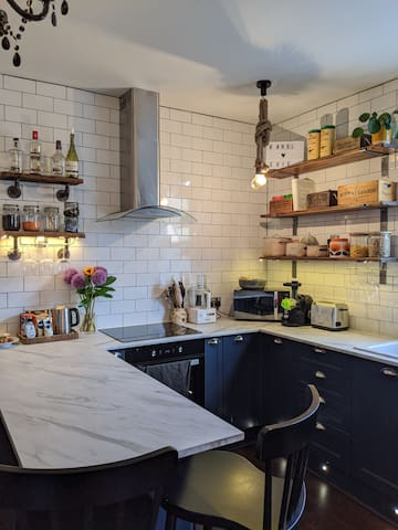 Modern and characterful flat near Tooting