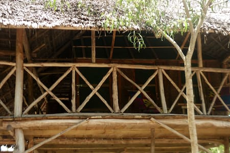 Eco-African local treehouse