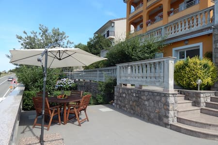 Apartment Mavis (2+2) - Senj