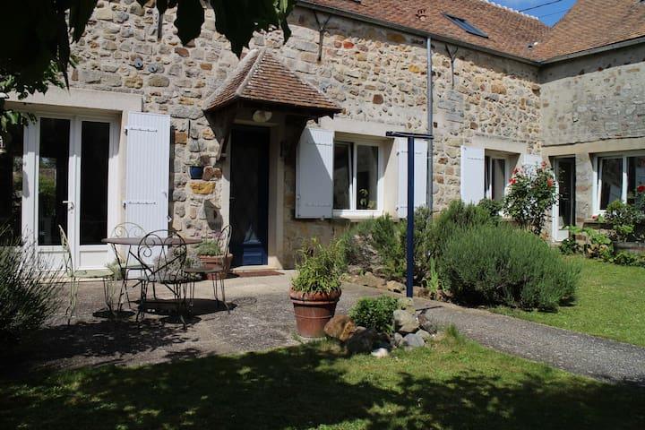 Maison à la campagne - Montmachoux - House