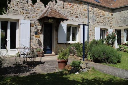 Maison à la campagne - Montmachoux - Casa