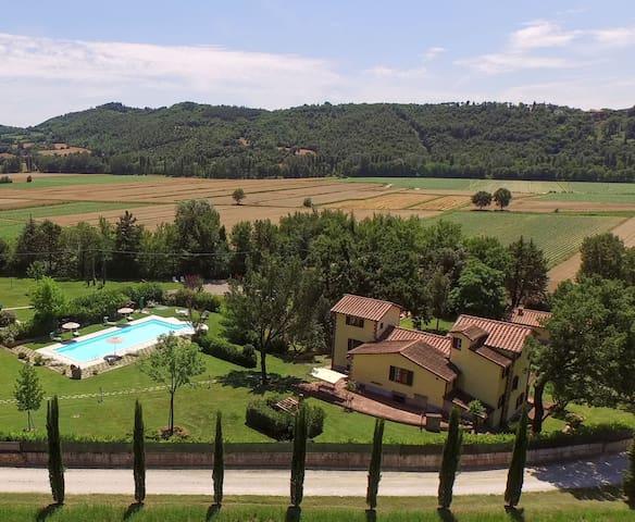 Spectacular tuscan villa vith pool - Anghiari - วิลล่า