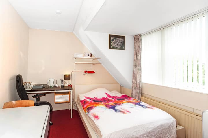 Cheap room for 1 - 4 persons