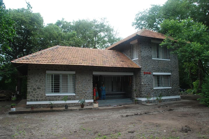 Vacation home in Edvan - Edvan, DIstrict Palghar - Huis