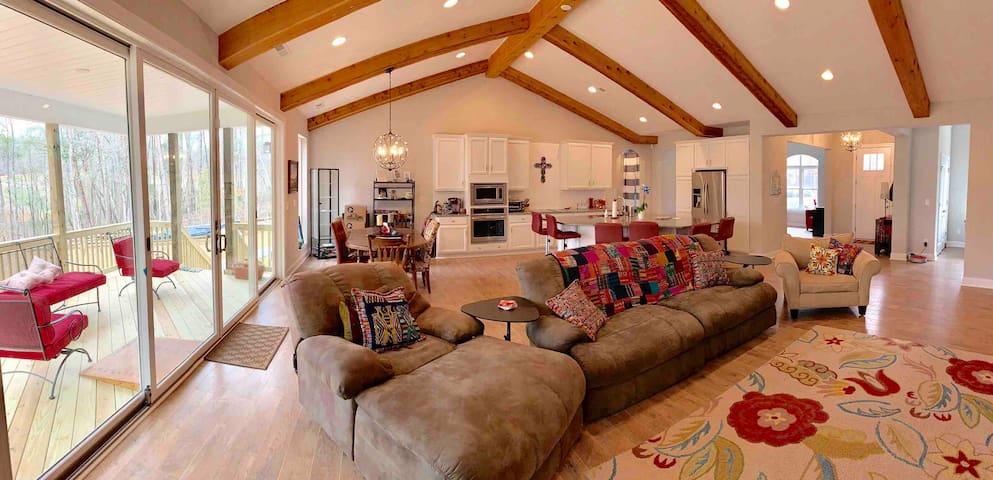 Charlotte 5 Acre Retreat- New Custom Home