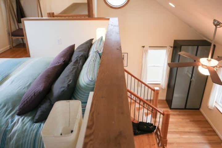 ♥ Urban Loft on Hip Mississippi St!