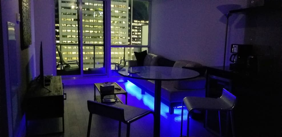 Sejour-Quality 2BD Condo @ DT Toronto, with a View