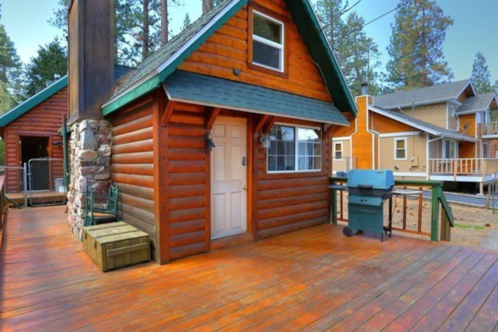 Beary cool cabin lower moonridge pet friendly cabins for for Cabins big bear