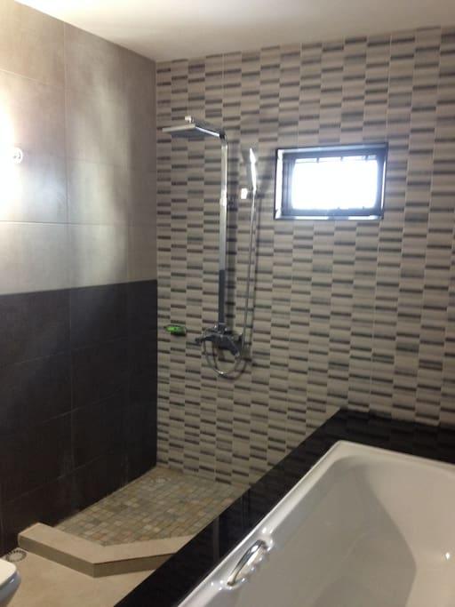 bath area (bath tub just beside)