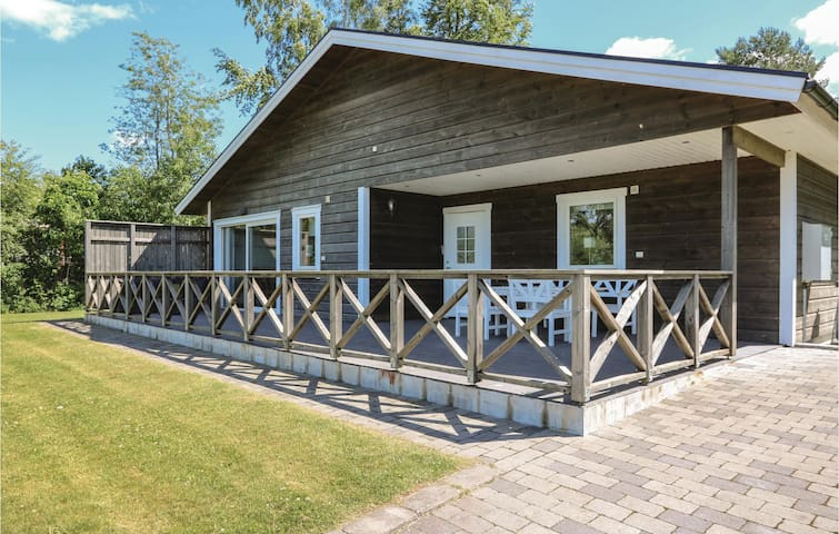 Holiday cottage with 2 bedrooms on 67m² in Sölvesborg