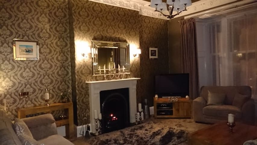 Scottish Victorian House Troon Golf Open 2016 - Ayr - House