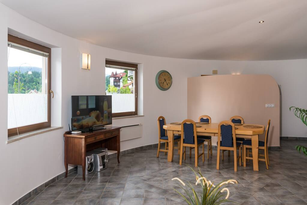 Panorama Apartment 1 - living and dining area