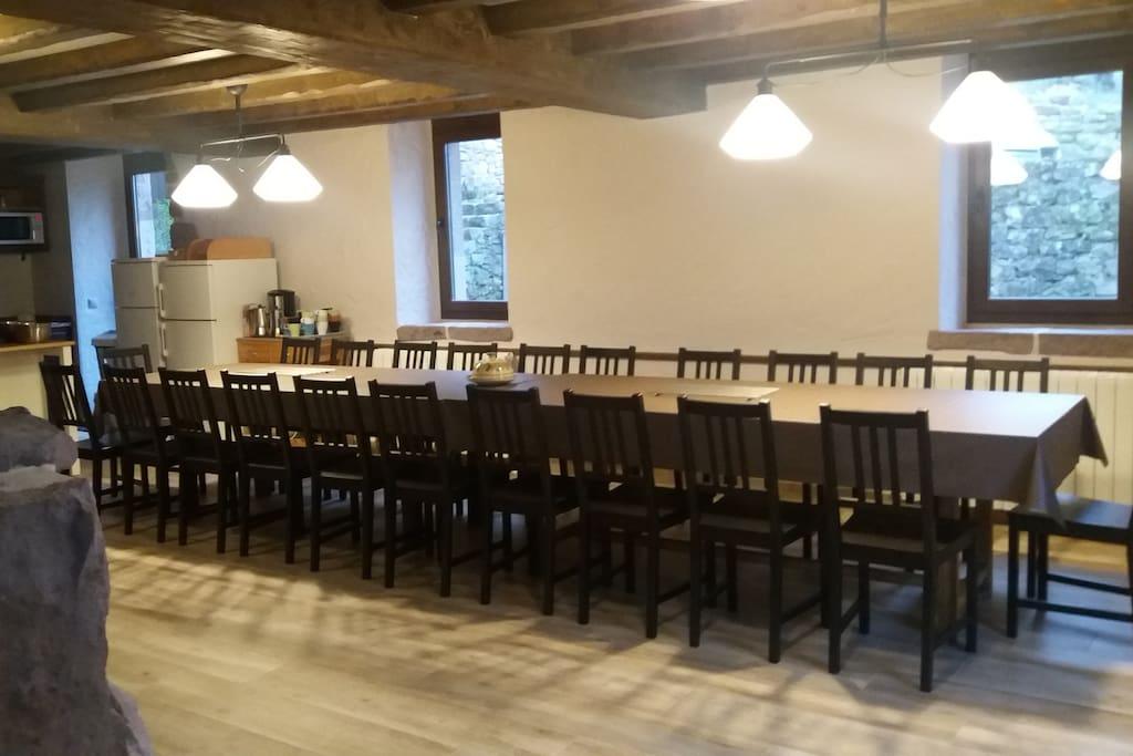 Mesa para 22 personas