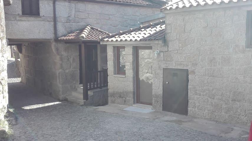 Geres, mountain's house  – Casa Velha Guest House