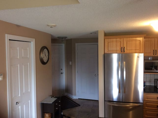 Spacious 2-bedroom Condo near Downtown Ottawa - Gatineau - Condominium