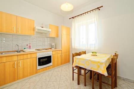 Apartments Matušan / One Bedroom A3 - Rab